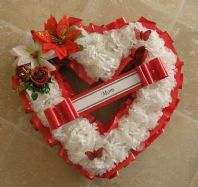 ARTIFICIAL CHRISTMAS WREATH FLOWERS HEART MEMORIAL GRAVE ROSES RED WHITE TRIBUTE